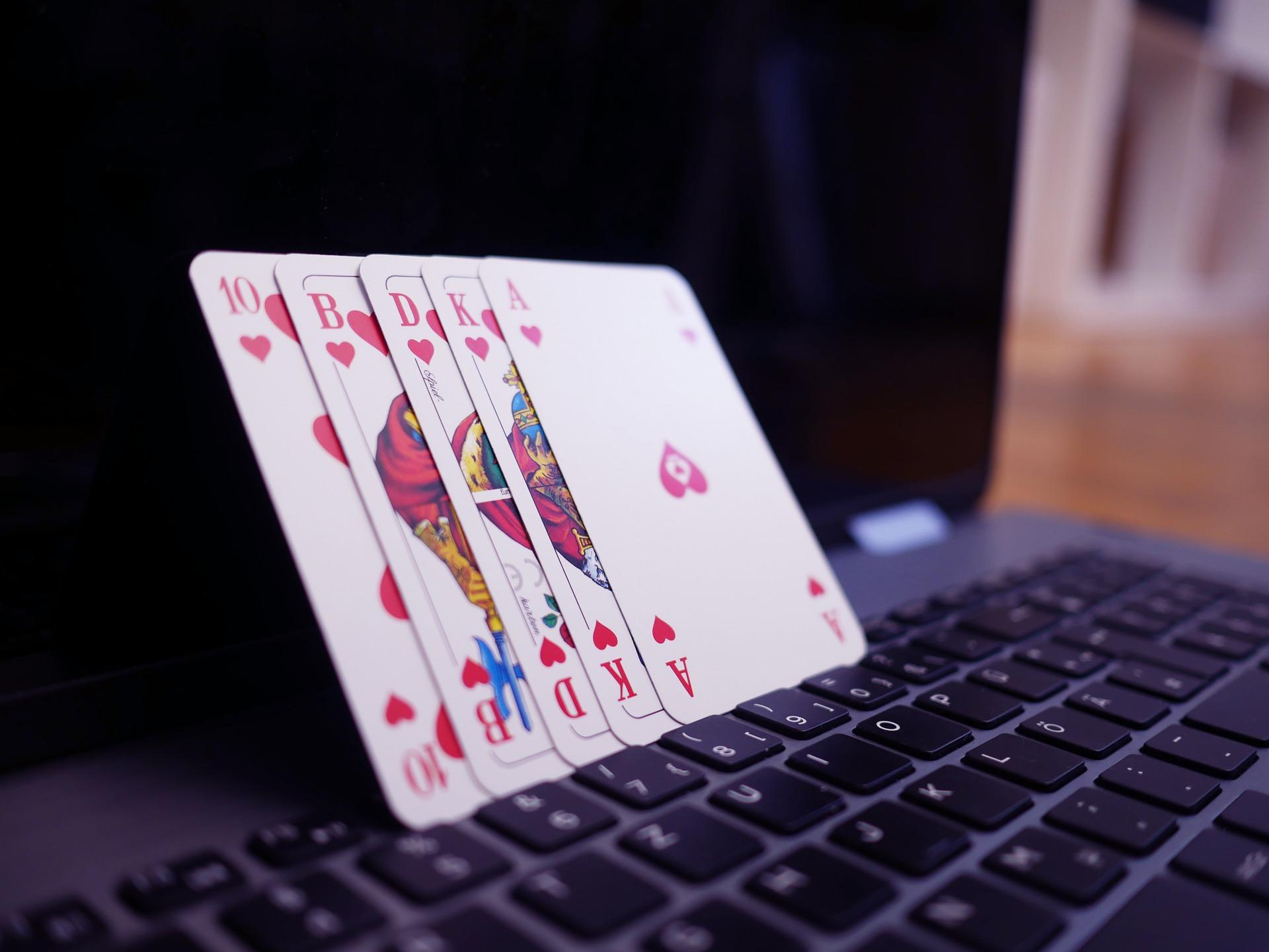 Online casino card laptop